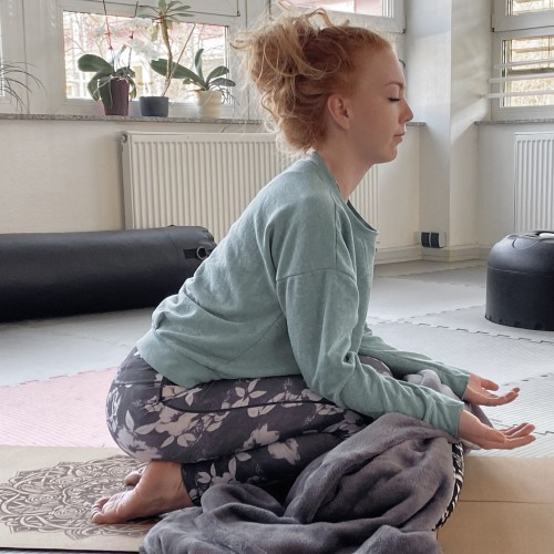 Heike Weyer-Kuckert - Yin Yoga Meditation